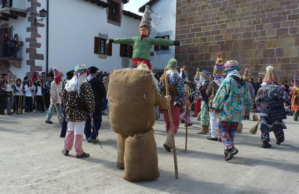 Descubre Nuestros Carnavales